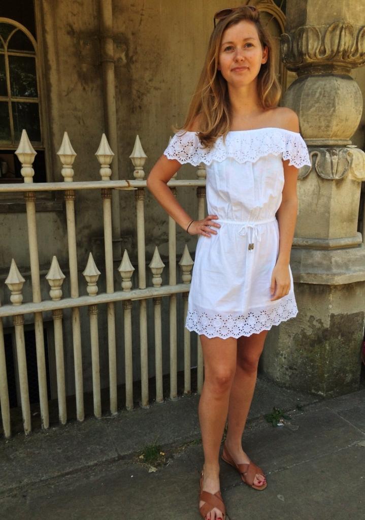 robe broderie blanche