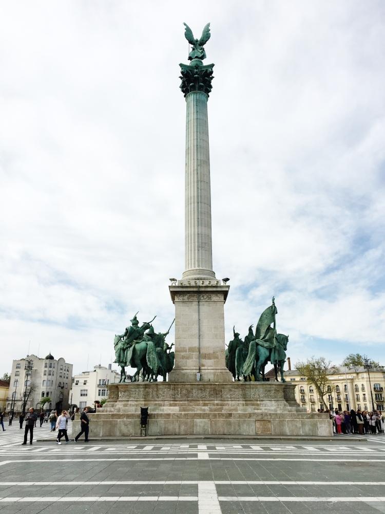 place des heros budapest