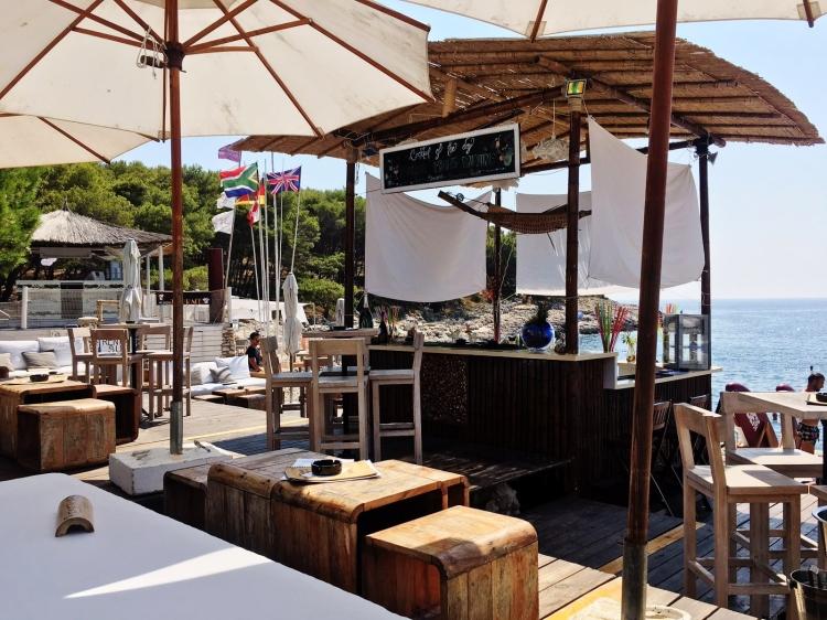carpe diem beach hvar bar
